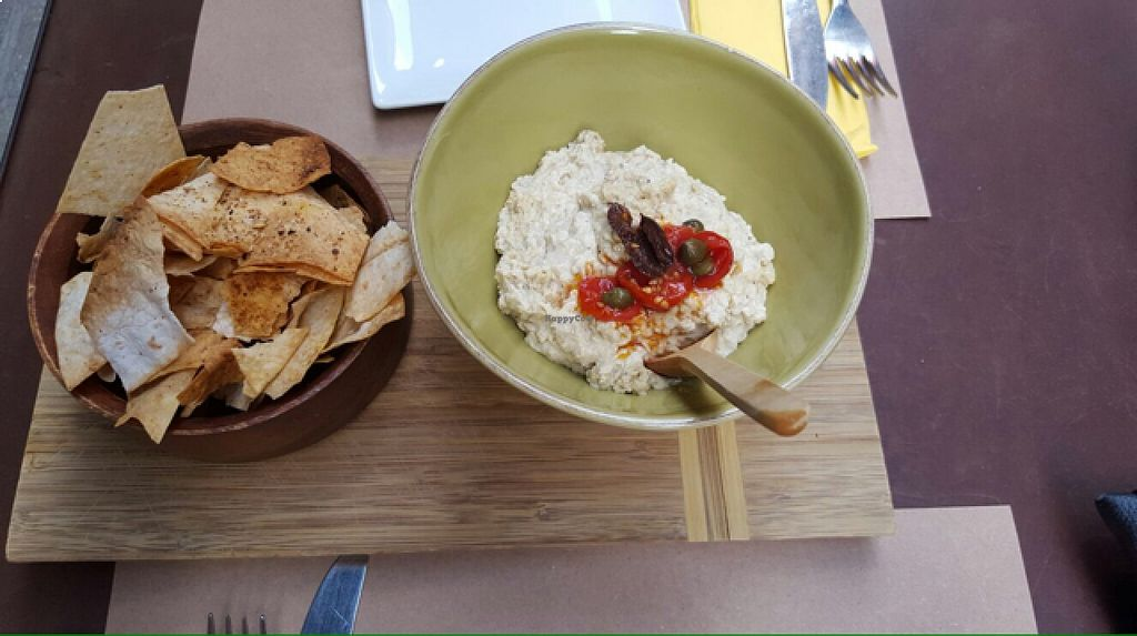 """Photo of Bi Nevi Deli  by <a href=""""/members/profile/lunapavo"""">lunapavo</a> <br/>hummus and lavosh chips  <br/> August 22, 2015  - <a href='/contact/abuse/image/50484/114726'>Report</a>"""