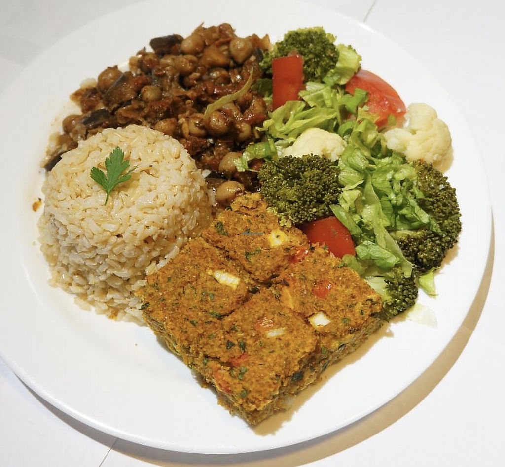 """Photo of Maoz Vegetarian  by <a href=""""/members/profile/PaulinhaGandin"""">PaulinhaGandin</a> <br/>Lunch  <br/> March 25, 2018  - <a href='/contact/abuse/image/50506/375642'>Report</a>"""
