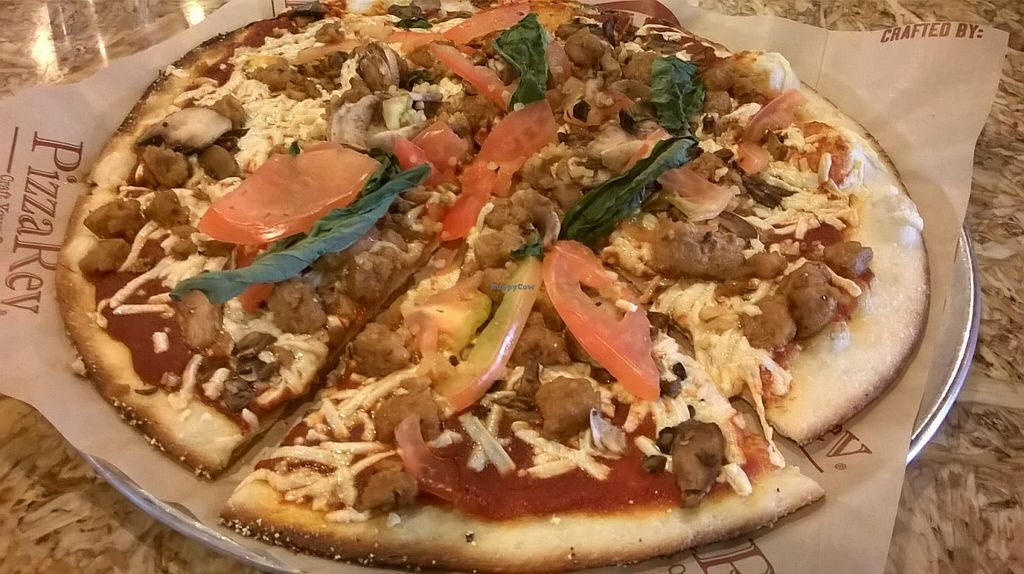 Photo of CLOSED: PizzaRev  by Navegante <br/>Vegan pizza, my way, Oct 2015 <br/> October 6, 2015  - <a href='/contact/abuse/image/50539/120429'>Report</a>