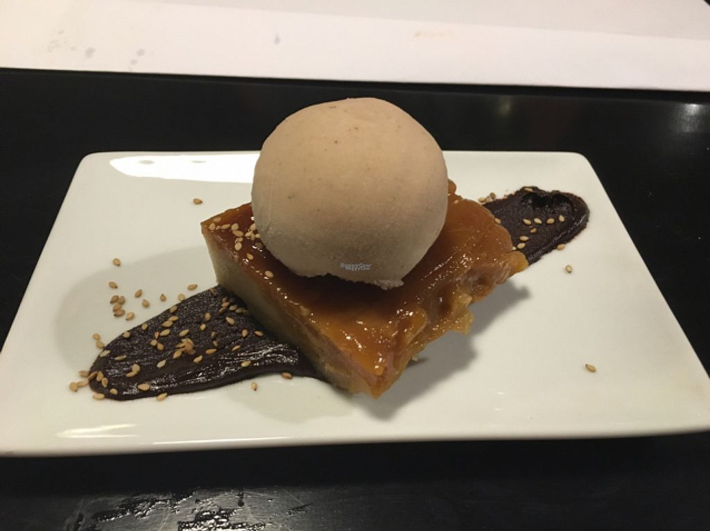 "Photo of Oslo  by <a href=""/members/profile/Pleunbeun"">Pleunbeun</a> <br/>pear tarte tain with cinnamon soya ice cream (totally vegan) and really good <br/> August 1, 2016  - <a href='/contact/abuse/image/50583/164088'>Report</a>"