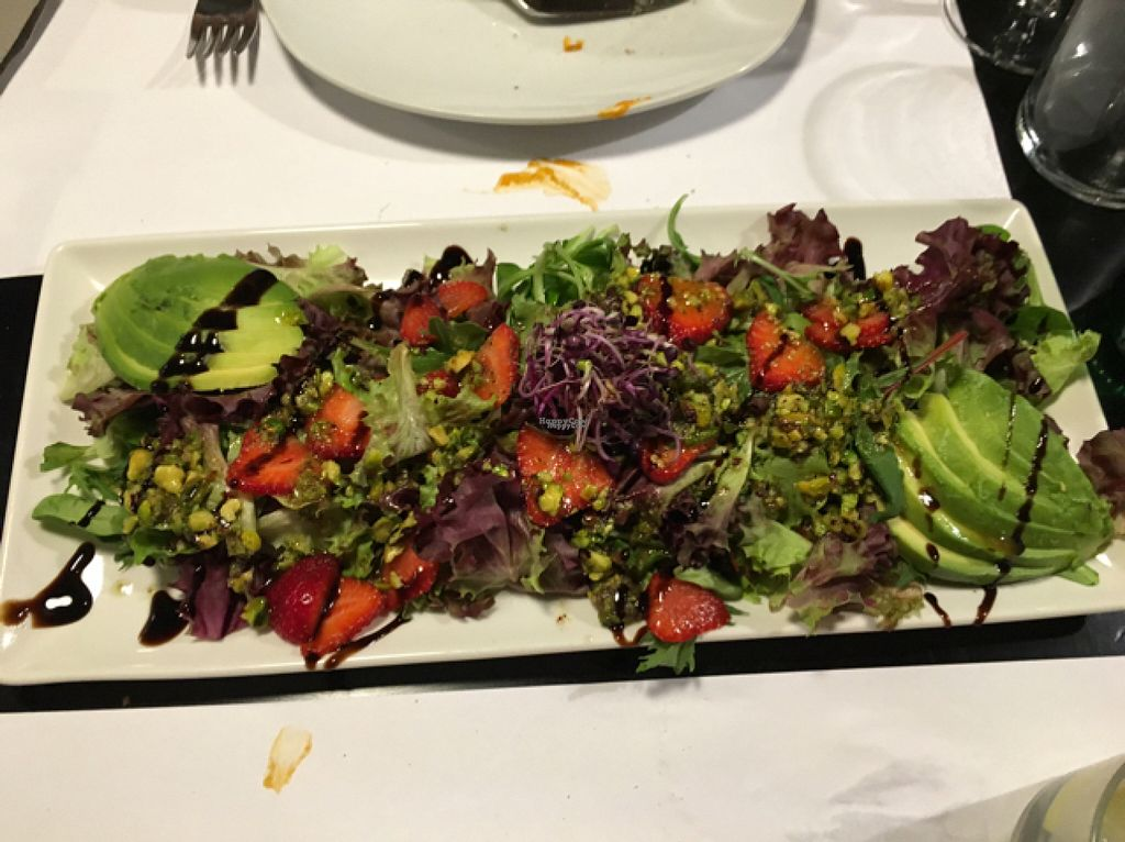 "Photo of Oslo  by <a href=""/members/profile/Pleunbeun"">Pleunbeun</a> <br/>salad with avocado, pistachios, strawberry and without the cheese = vegan❤️❤️❤️ <br/> August 1, 2016  - <a href='/contact/abuse/image/50583/164089'>Report</a>"