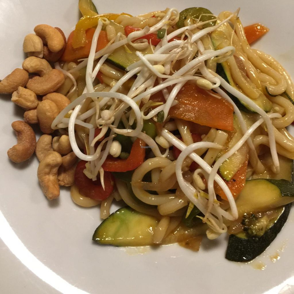 "Photo of Oslo  by <a href=""/members/profile/Luciafmtri"">Luciafmtri</a> <br/>Vegan Pad Thai <br/> March 11, 2015  - <a href='/contact/abuse/image/50583/95468'>Report</a>"