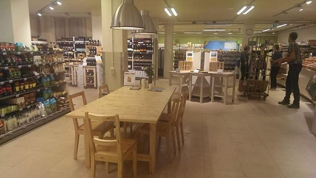 """Photo of Estafette Organic Grocery  by <a href=""""/members/profile/community"""">community</a> <br/>Estafette Organic Grocery <br/> September 26, 2014  - <a href='/contact/abuse/image/50584/81098'>Report</a>"""