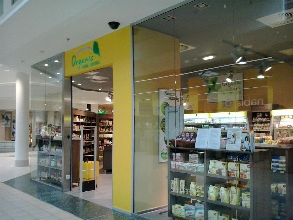 """Photo of CLOSED: Organic Farma Zdrowia - Targowa  by <a href=""""/members/profile/Laylah"""">Laylah</a> <br/>The shop's window and entrance <br/> September 1, 2014  - <a href='/contact/abuse/image/50598/78774'>Report</a>"""