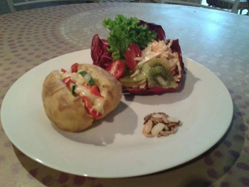 """Photo of Zen Vegetarian Cafe  by <a href=""""/members/profile/community"""">community</a> <br/>baked potato  <br/> September 25, 2014  - <a href='/contact/abuse/image/50652/81069'>Report</a>"""