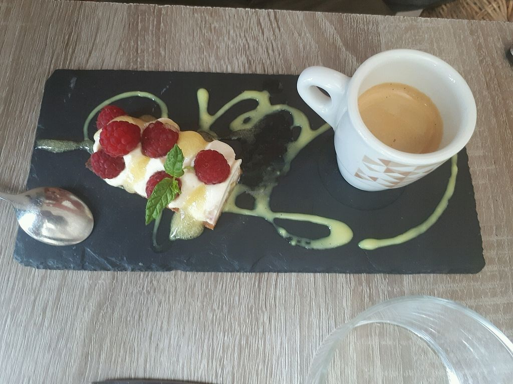 """Photo of Rest'o  by <a href=""""/members/profile/PascalB"""">PascalB</a> <br/>café gourmand  <br/> August 25, 2017  - <a href='/contact/abuse/image/50697/296923'>Report</a>"""