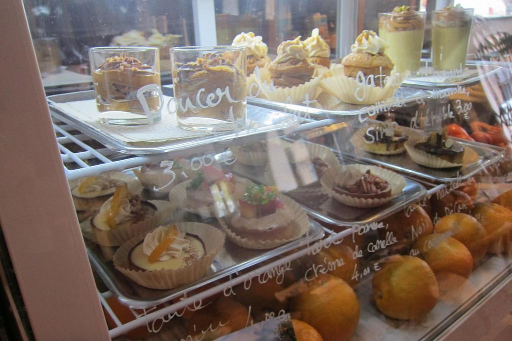 """Photo of Rest'o  by <a href=""""/members/profile/Aurelia"""">Aurelia</a> <br/>Not the clearest photo ever, but these were the vegan, organic, gluten-free dessert options the day I arrived <br/> December 9, 2014  - <a href='/contact/abuse/image/50697/87519'>Report</a>"""