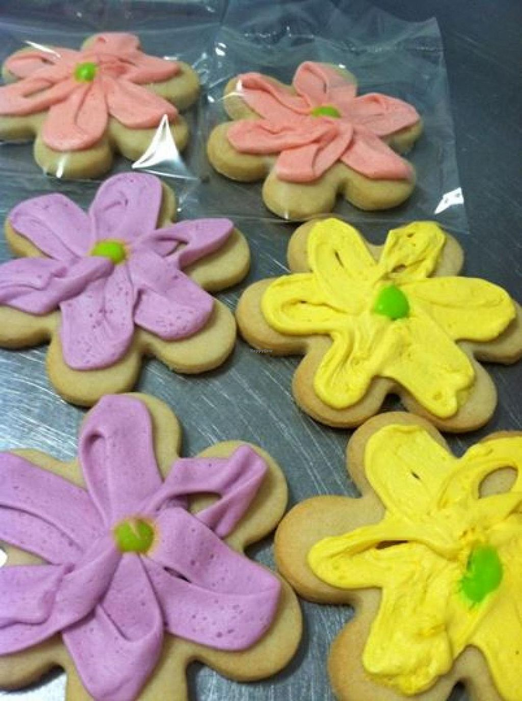 """Photo of CLOSED: Sweet Alexis Bakery  by <a href=""""/members/profile/swtalexisbakery"""">swtalexisbakery</a> <br/>Flower Cookies <br/> August 28, 2014  - <a href='/contact/abuse/image/50803/78499'>Report</a>"""