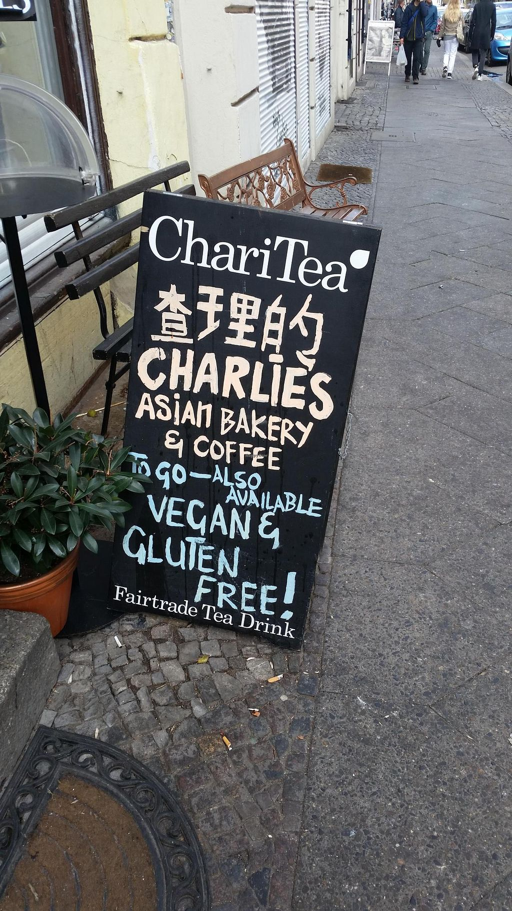 """Photo of CLOSED: Charlie's Vegan Food & Coffee  by <a href=""""/members/profile/autosblindo"""">autosblindo</a> <br/>panel <br/> May 3, 2015  - <a href='/contact/abuse/image/50935/100989'>Report</a>"""