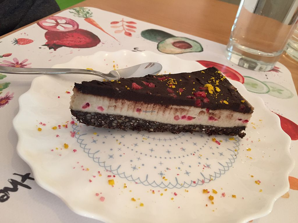 """Photo of Rawmazing  by <a href=""""/members/profile/Knauji82"""">Knauji82</a> <br/>Raw cake! <br/> October 8, 2017  - <a href='/contact/abuse/image/50971/313155'>Report</a>"""