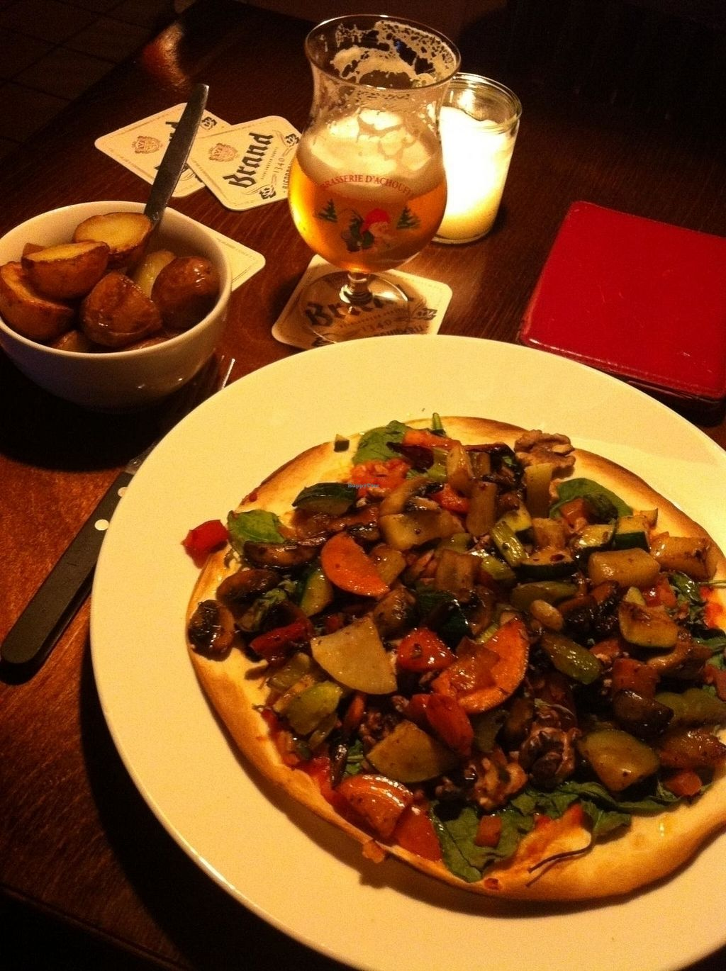 "Photo of Malle Jan  by <a href=""/members/profile/Sannes"">Sannes</a> <br/>Vegan - Tortilla pizza with grilled (or baked?) vegetables and walnuts with some baked potatoes <br/> July 6, 2015  - <a href='/contact/abuse/image/50982/175186'>Report</a>"