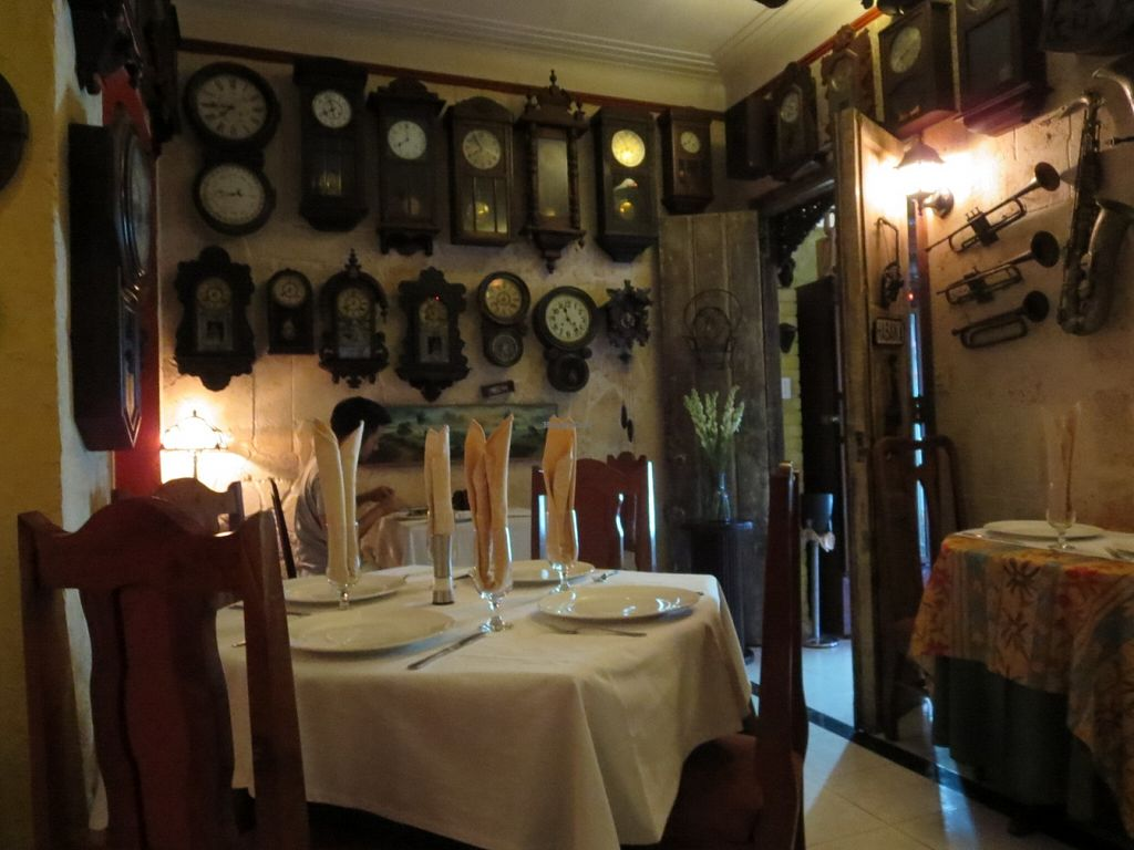 "Photo of Paladar Decameron  by <a href=""/members/profile/Mimi710"">Mimi710</a> <br/>A wall full of clocks. Tick. Tick. Tock <br/> March 22, 2016  - <a href='/contact/abuse/image/51054/140927'>Report</a>"