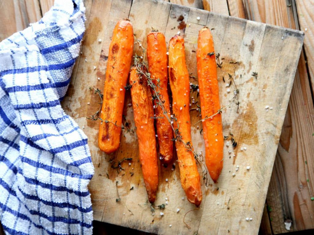 "Photo of CLOSED: Gavriel  by <a href=""/members/profile/NoamK"">NoamK</a> <br/>carrots baked with sea salt and thyme <br/> September 9, 2014  - <a href='/contact/abuse/image/51106/79451'>Report</a>"