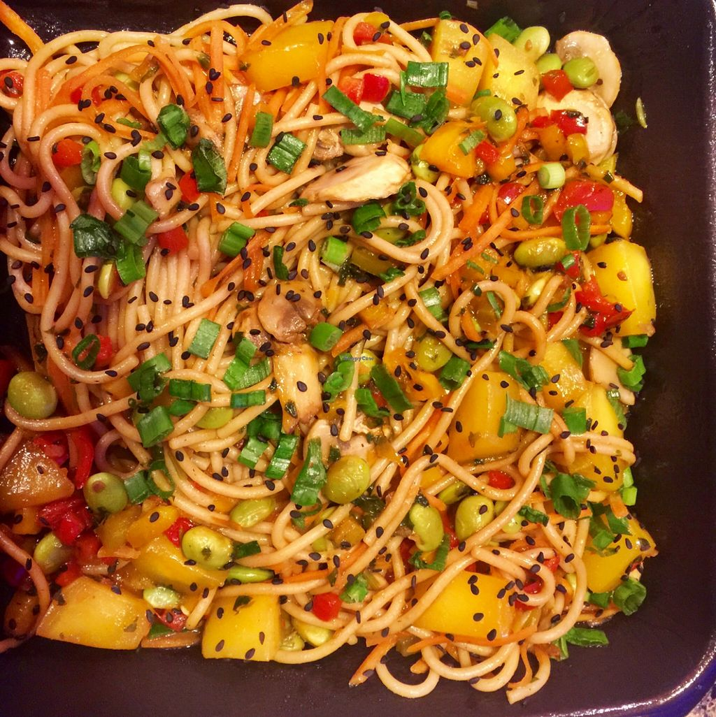 """Photo of Silver Diner - BWI Airport  by <a href=""""/members/profile/AndreaTheVegan"""">AndreaTheVegan</a> <br/>vegan mango stir fry  <br/> April 12, 2016  - <a href='/contact/abuse/image/51156/144245'>Report</a>"""