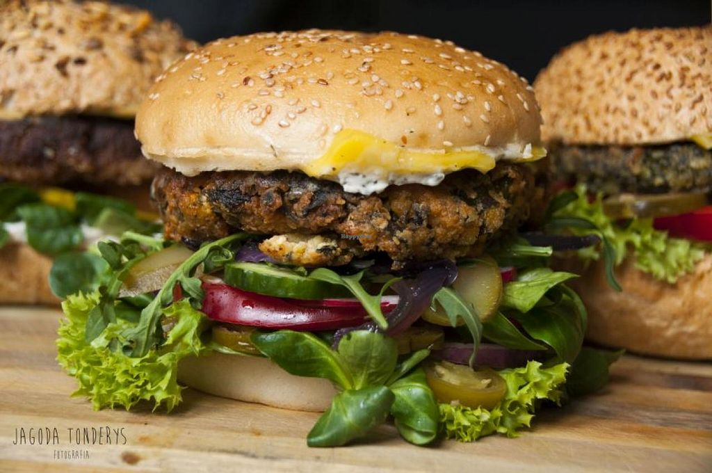 """Photo of CLOSED: vb veganburgers  by <a href=""""/members/profile/veronicafreespirit"""">veronicafreespirit</a> <br/>3 <br/> June 4, 2015  - <a href='/contact/abuse/image/51207/104717'>Report</a>"""
