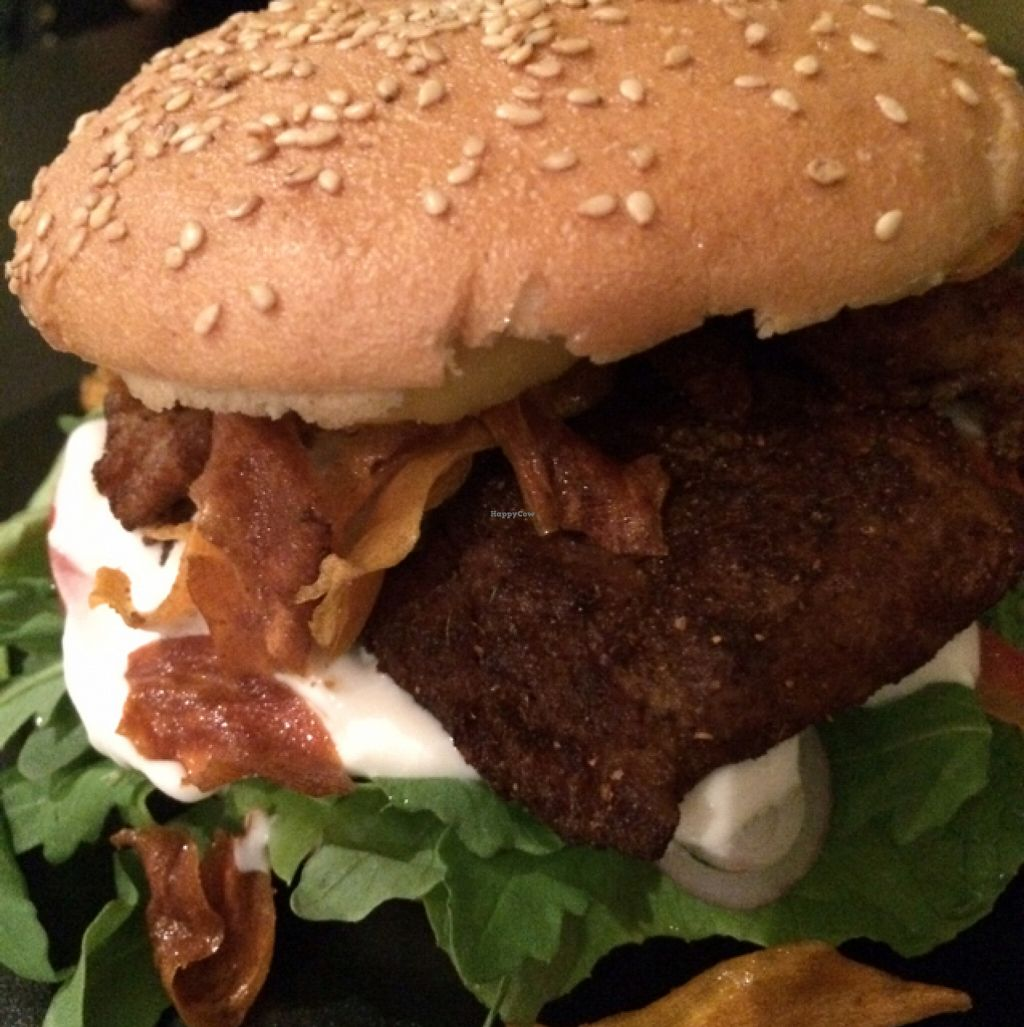 """Photo of CLOSED: vb veganburgers  by <a href=""""/members/profile/Beaa"""">Beaa</a> <br/>soy burger on gluten free bun <br/> November 12, 2015  - <a href='/contact/abuse/image/51207/124723'>Report</a>"""