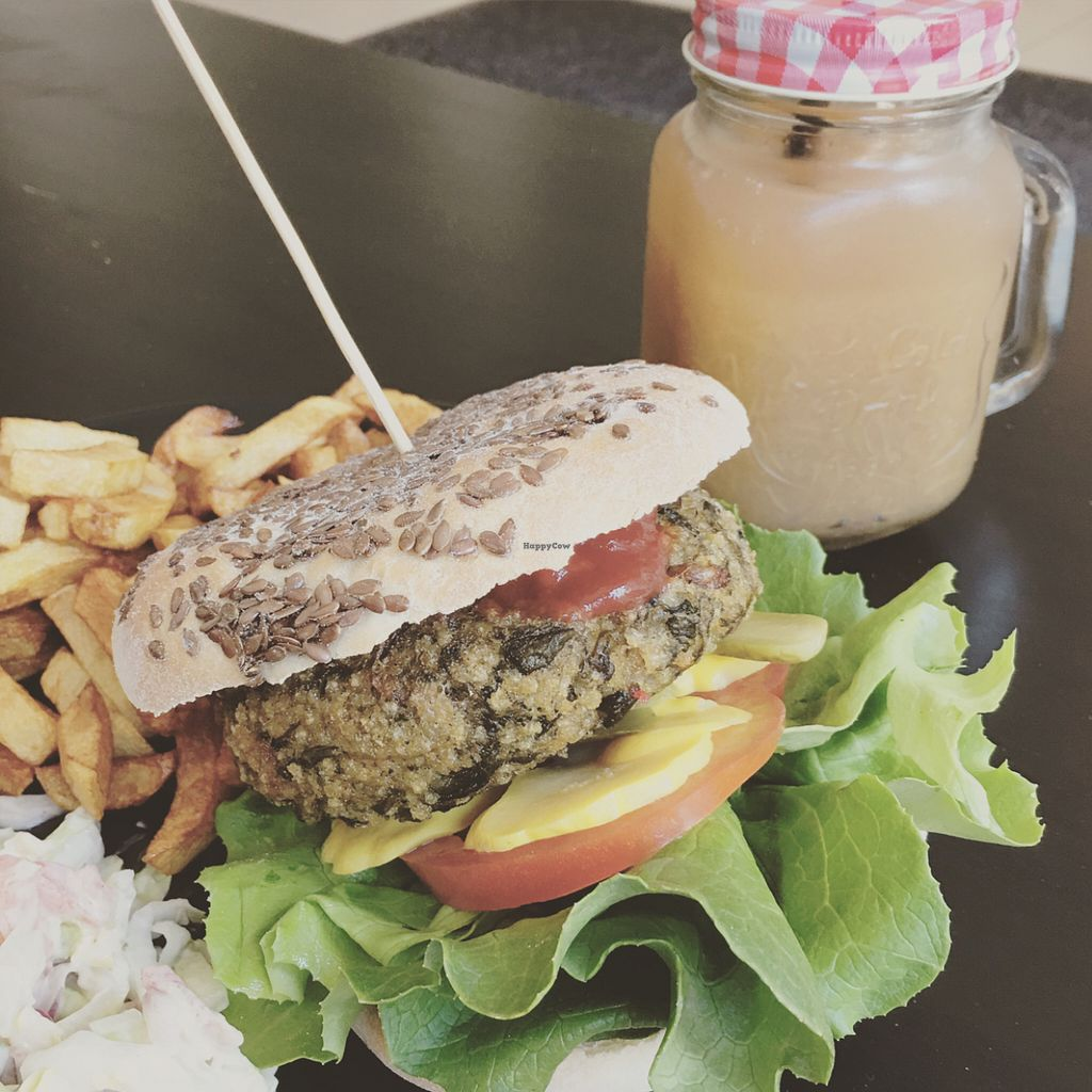 """Photo of CLOSED: vb veganburgers  by <a href=""""/members/profile/TheEverydayVegan"""">TheEverydayVegan</a> <br/>spinach burger + fries and rhubarb smoothie <br/> May 27, 2016  - <a href='/contact/abuse/image/51207/151038'>Report</a>"""