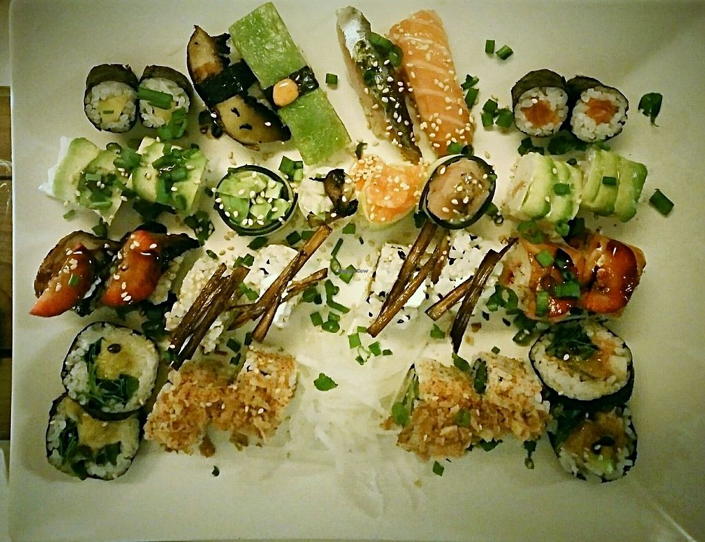 """Photo of SHU AKA  by <a href=""""/members/profile/Letitia"""">Letitia</a> <br/>Sushi platter <br/> December 12, 2017  - <a href='/contact/abuse/image/51211/334993'>Report</a>"""
