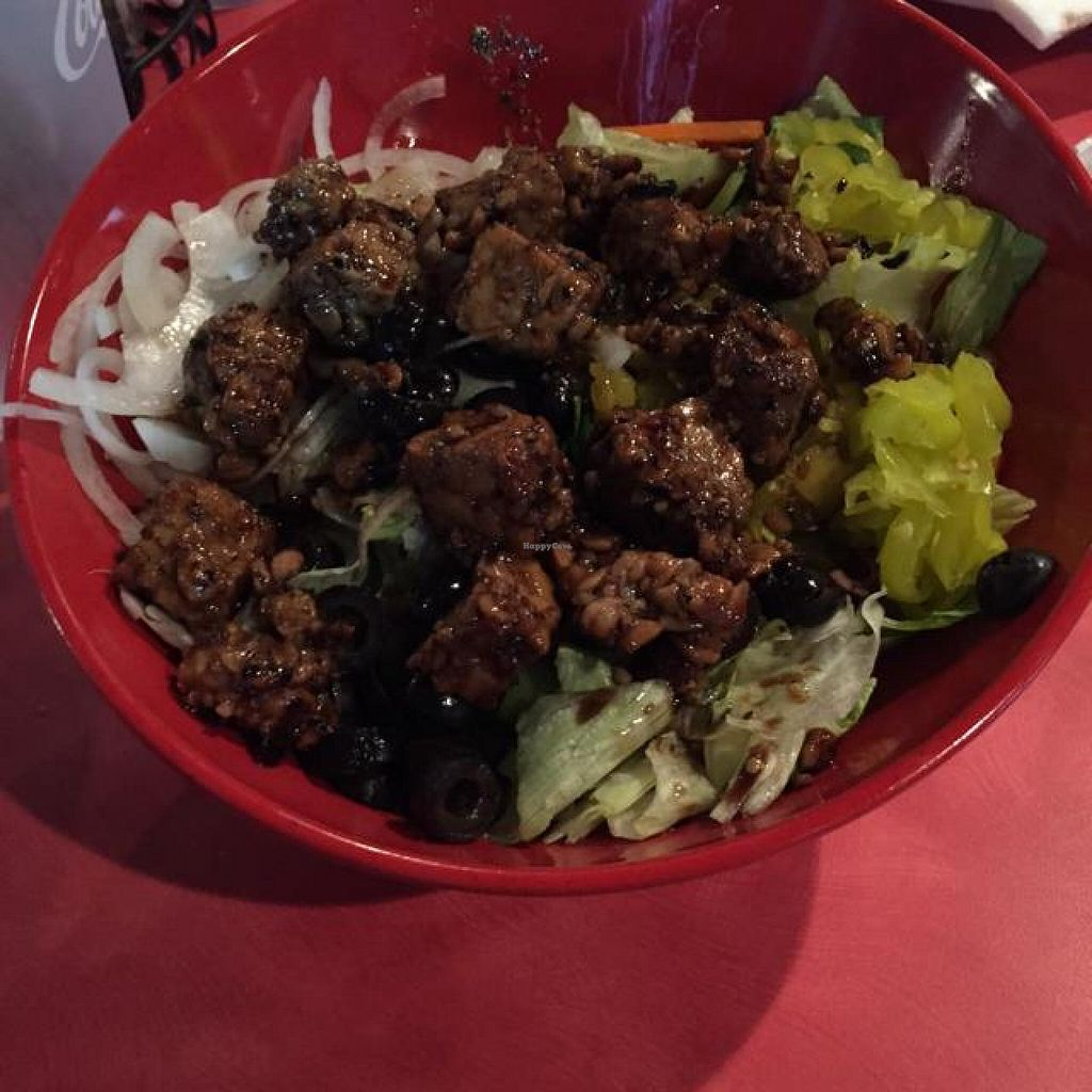 Photo of Mellow Mushroom  by drees2014 <br/>vegan salad <br/> October 30, 2014  - <a href='/contact/abuse/image/51226/84253'>Report</a>
