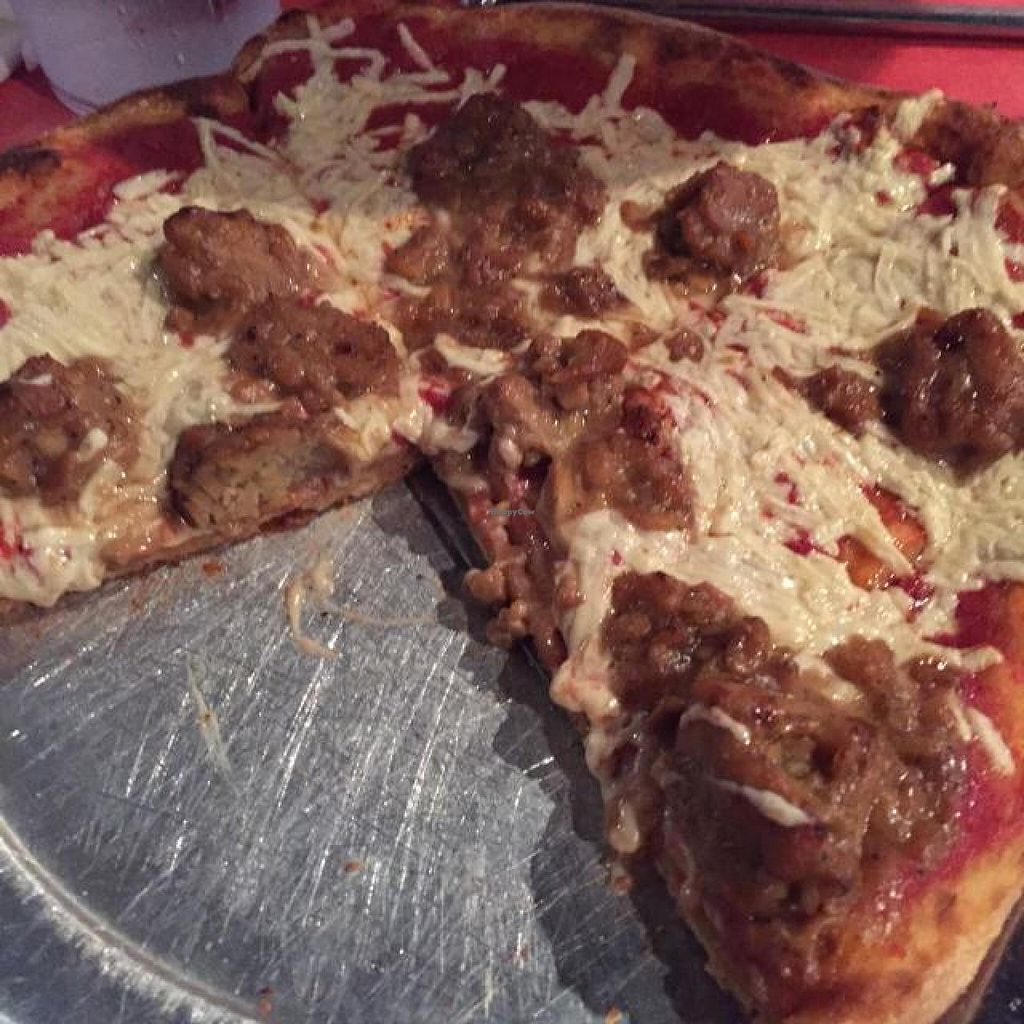 Photo of Mellow Mushroom  by drees2014 <br/>vegan pizza <br/> October 30, 2014  - <a href='/contact/abuse/image/51226/84254'>Report</a>