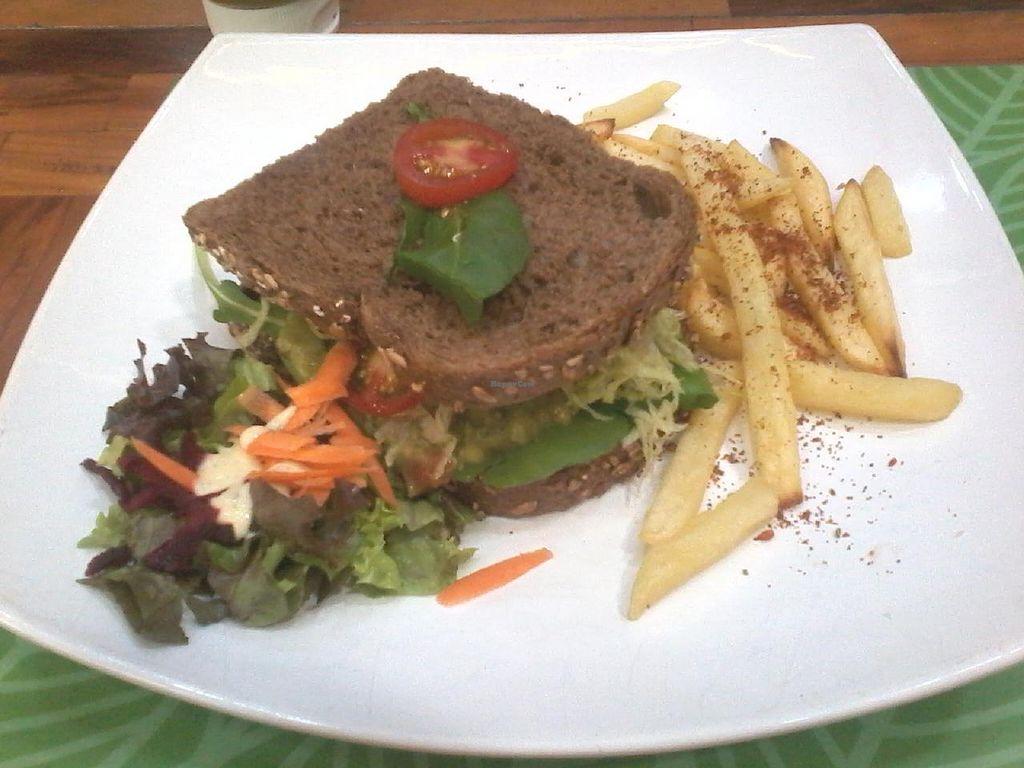 "Photo of Veggies na Praca  by <a href=""/members/profile/laranjatomate"">laranjatomate</a> <br/>Supee vegano sandwich <br/> November 2, 2014  - <a href='/contact/abuse/image/51310/84389'>Report</a>"