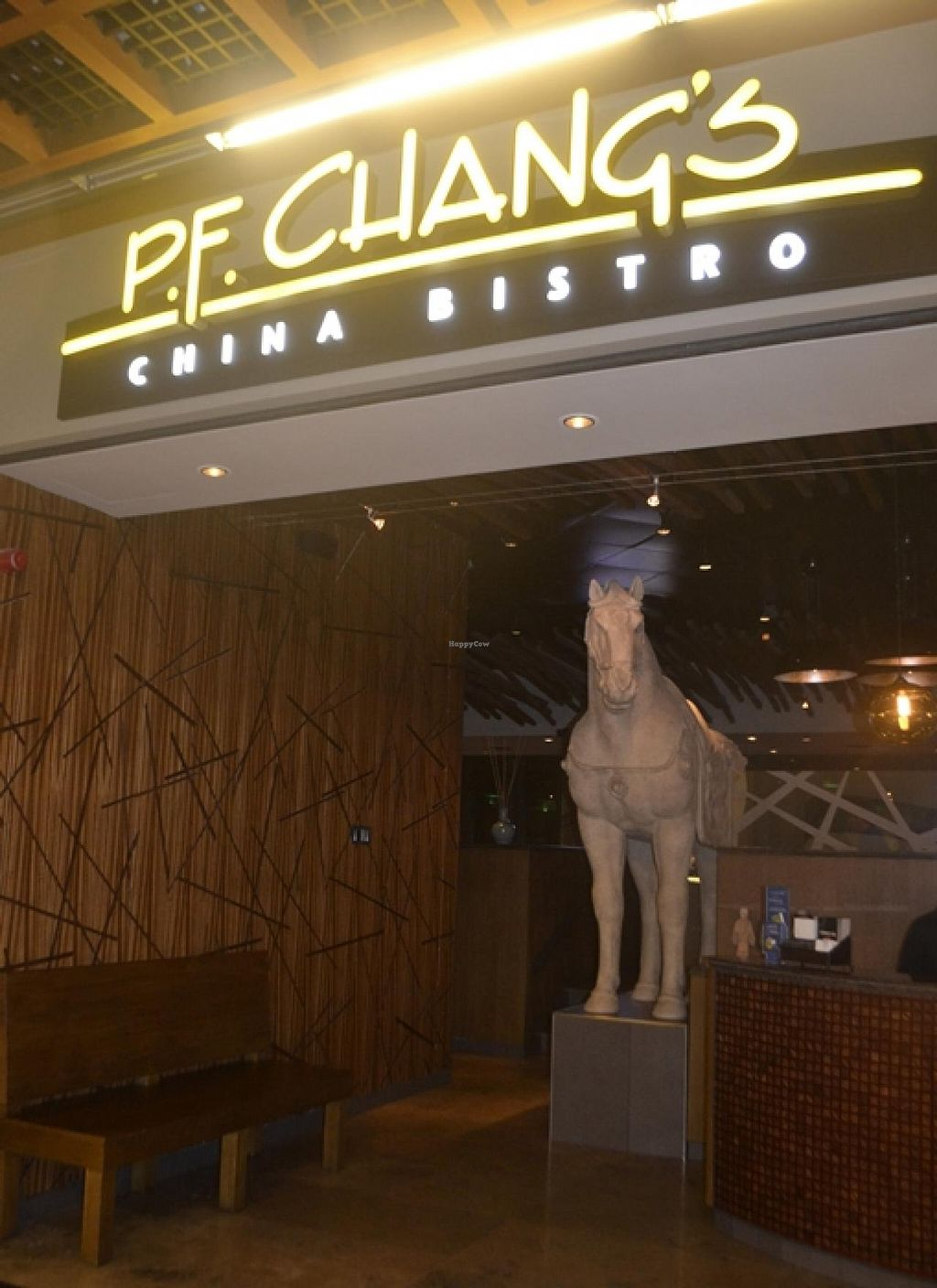 "Photo of P.F. Chang's  by <a href=""/members/profile/apartment2504"">apartment2504</a> <br/>entrance <br/> September 16, 2014  - <a href='/contact/abuse/image/51382/80092'>Report</a>"