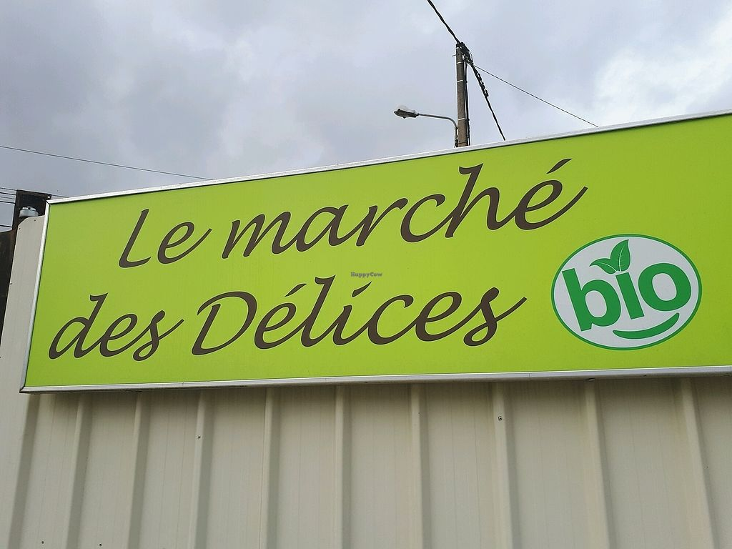 """Photo of Le Marché des Délices BIO  by <a href=""""/members/profile/PascalB"""">PascalB</a> <br/>store front <br/> September 12, 2017  - <a href='/contact/abuse/image/51446/303721'>Report</a>"""