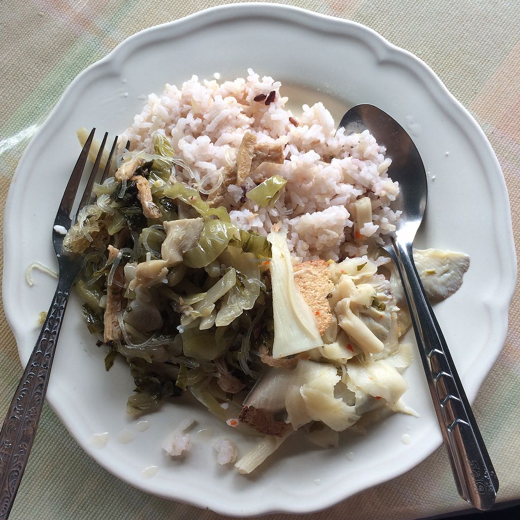 "Photo of Tamachat  by <a href=""/members/profile/evoontoast"">evoontoast</a> <br/>simple rice with veggies <br/> August 16, 2017  - <a href='/contact/abuse/image/5147/293143'>Report</a>"