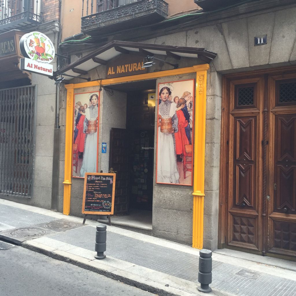 """Photo of Al Natural  by <a href=""""/members/profile/John%20Doyle"""">John Doyle</a> <br/>lovely spot - just behind the Spanish Parliament <br/> August 12, 2015  - <a href='/contact/abuse/image/5164/113279'>Report</a>"""