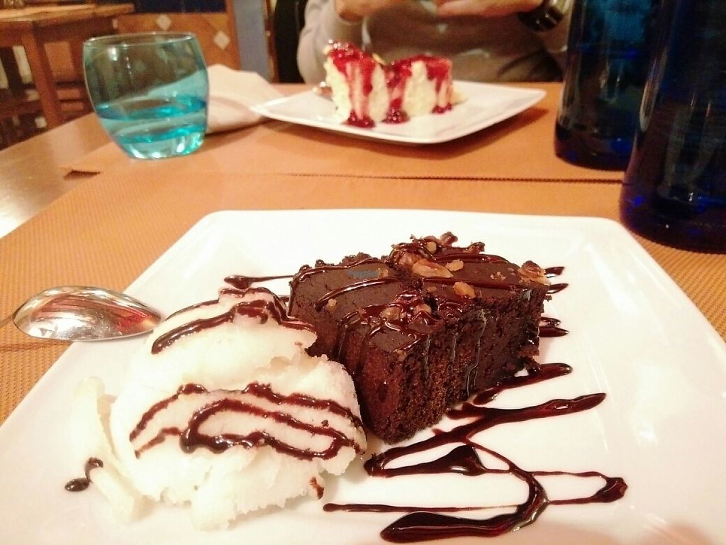 """Photo of Al Natural  by <a href=""""/members/profile/martinicontomate"""">martinicontomate</a> <br/>vegan brownie with lime sorbet <br/> January 22, 2017  - <a href='/contact/abuse/image/5164/214519'>Report</a>"""