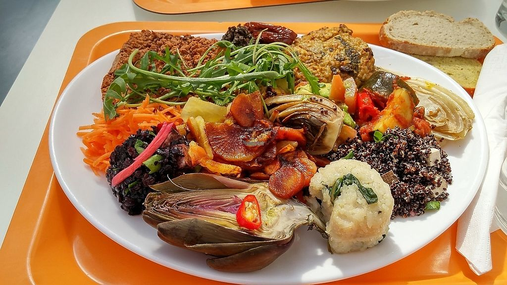 """Photo of La Verriere  by <a href=""""/members/profile/lisasays73"""">lisasays73</a> <br/>buffet lunch <br/> April 21, 2017  - <a href='/contact/abuse/image/51744/250627'>Report</a>"""