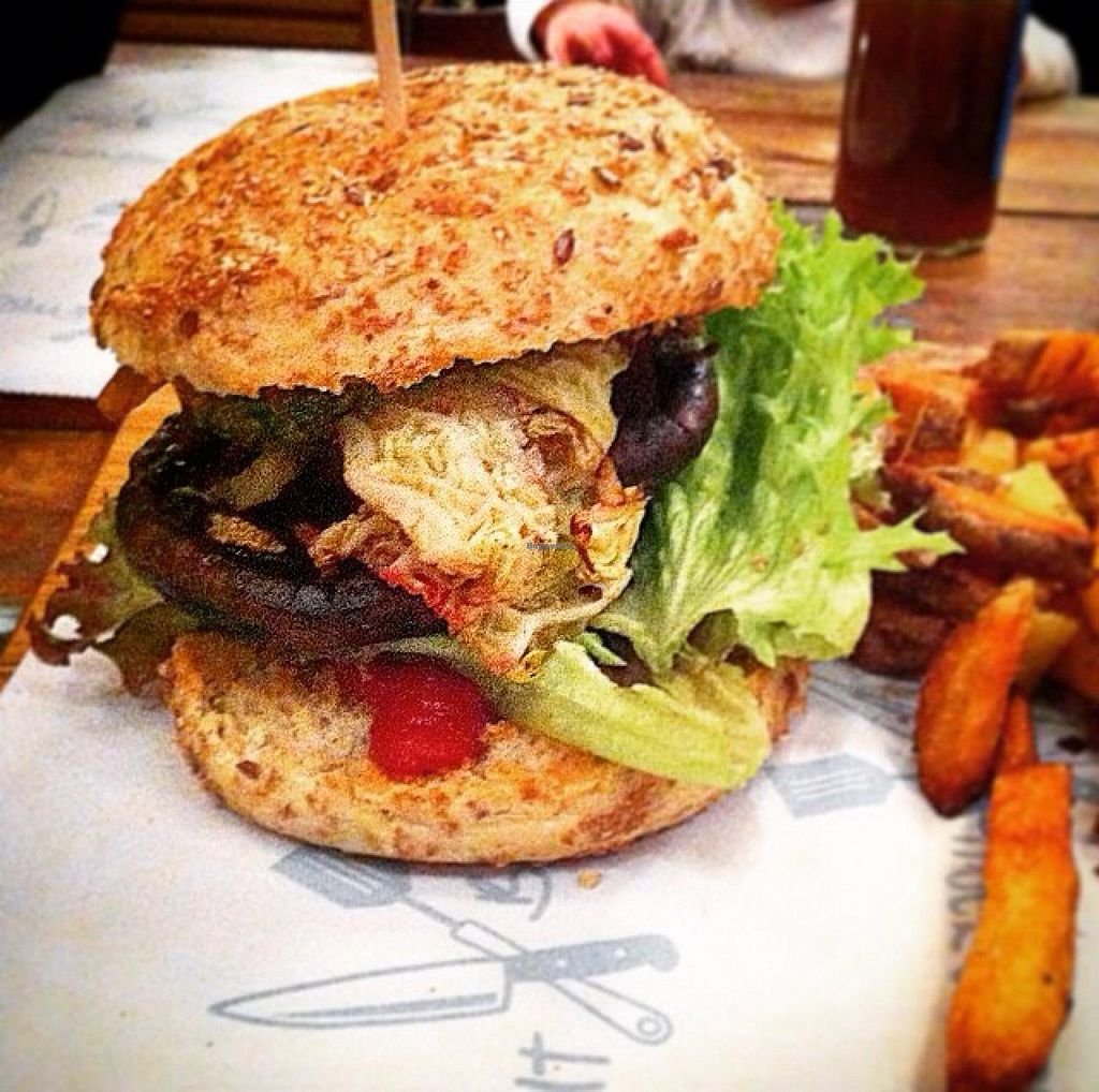 """Photo of Gutburgerlich  by <a href=""""/members/profile/Johannes%20Freundlich"""">Johannes Freundlich</a> <br/>vegan 'käthe' burger <br/> March 7, 2015  - <a href='/contact/abuse/image/51808/95151'>Report</a>"""
