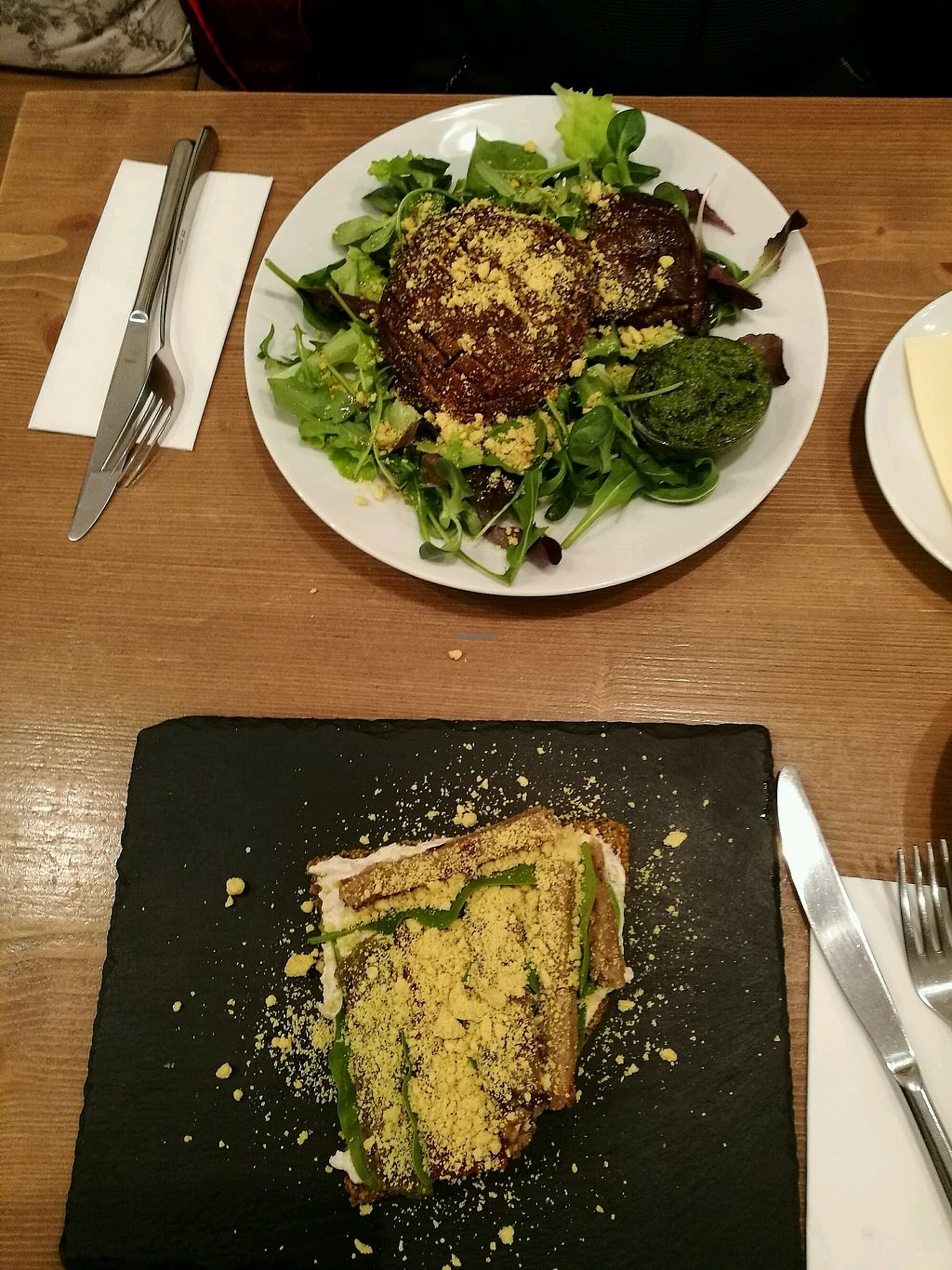 "Photo of MyRaw Cafe  by <a href=""/members/profile/LucieGaspari"">LucieGaspari</a> <br/>4 fromagi pizza and portobello steak <br/> February 8, 2018  - <a href='/contact/abuse/image/51938/356398'>Report</a>"
