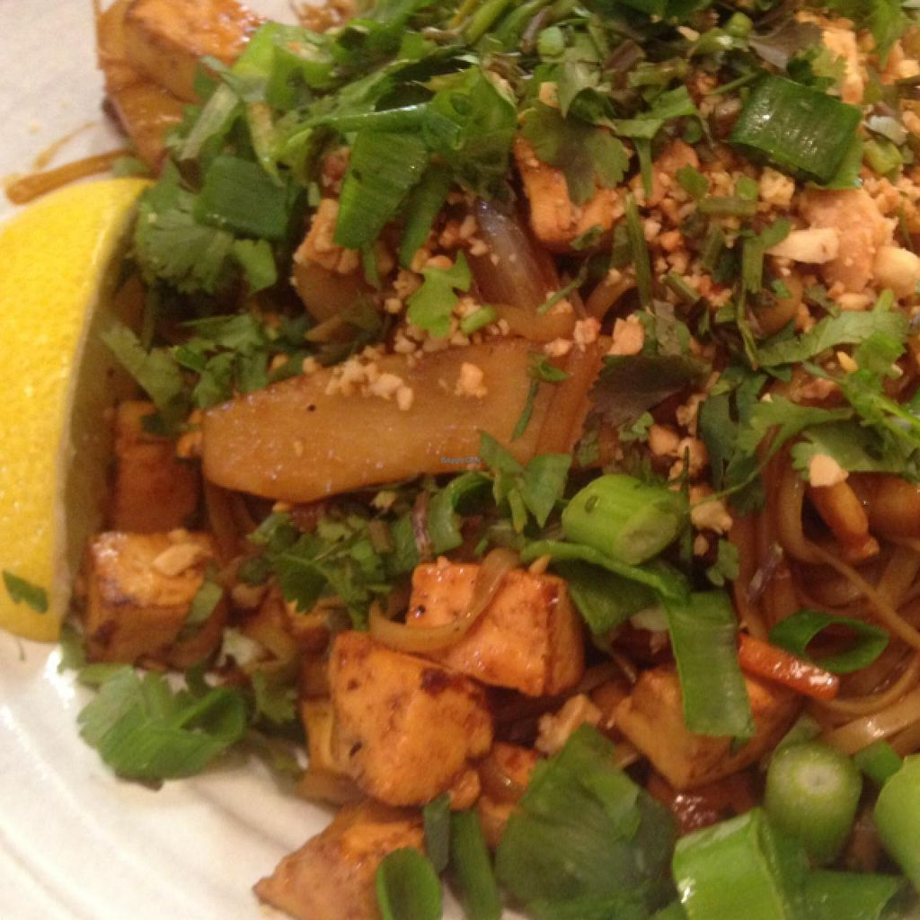 "Photo of Chop Chop  by <a href=""/members/profile/Brok%20O.%20Lee"">Brok O. Lee</a> <br/>Closeup Vegan Pad Thai <br/> January 23, 2015  - <a href='/contact/abuse/image/52002/91159'>Report</a>"