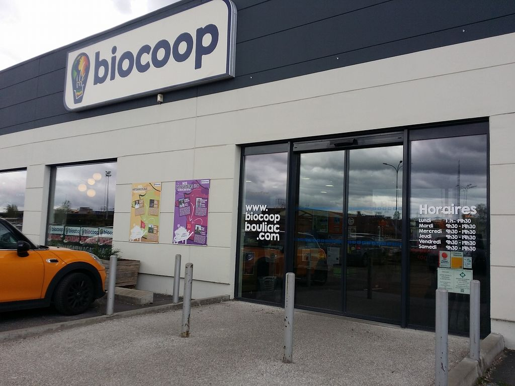 """Photo of Biocoop Bouliac  by <a href=""""/members/profile/AdrienZ"""">AdrienZ</a> <br/>Entrance <br/> January 5, 2018  - <a href='/contact/abuse/image/52073/343198'>Report</a>"""