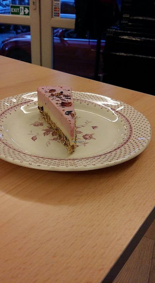 "Photo of Rawcoco  by <a href=""/members/profile/ninaframbuesa"">ninaframbuesa</a> <br/>Mademoiselle Coco cake <br/> June 26, 2017  - <a href='/contact/abuse/image/52099/273765'>Report</a>"