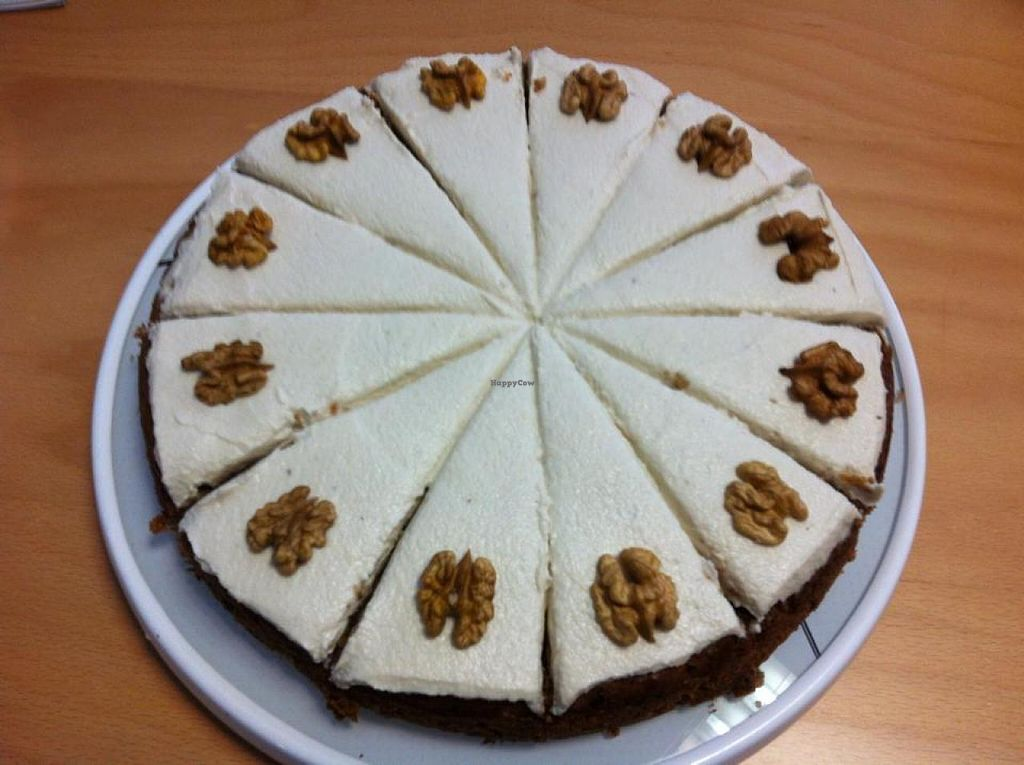 "Photo of LaLeLi Das Faire Cafe  by <a href=""/members/profile/silvisilvana"">silvisilvana</a> <br/>Möhrenkuchen mit Cashew-Creme <br/> October 12, 2014  - <a href='/contact/abuse/image/52120/82713'>Report</a>"