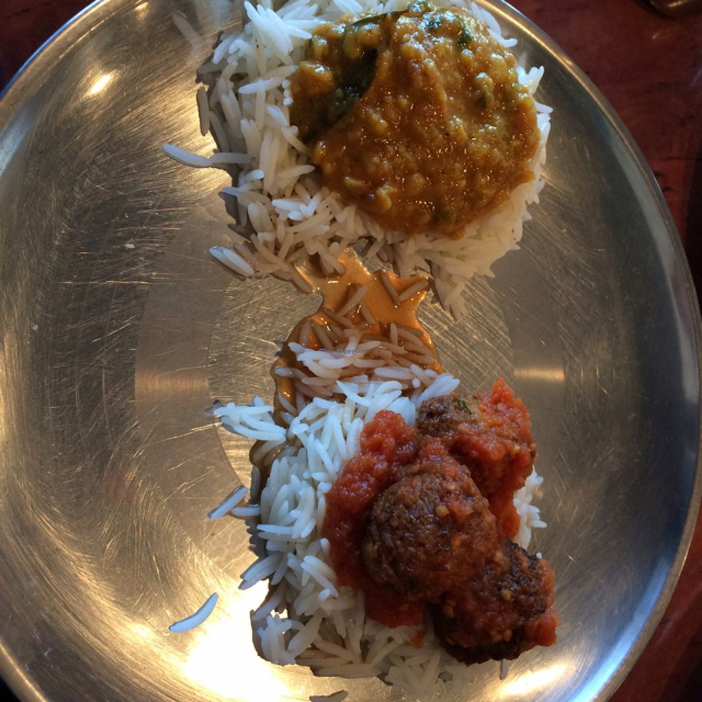 """Photo of Simply Divine Vegetarian  by <a href=""""/members/profile/Joisvegan"""">Joisvegan</a> <br/>vegan curries, tasty! <br/> August 8, 2015  - <a href='/contact/abuse/image/52145/112704'>Report</a>"""