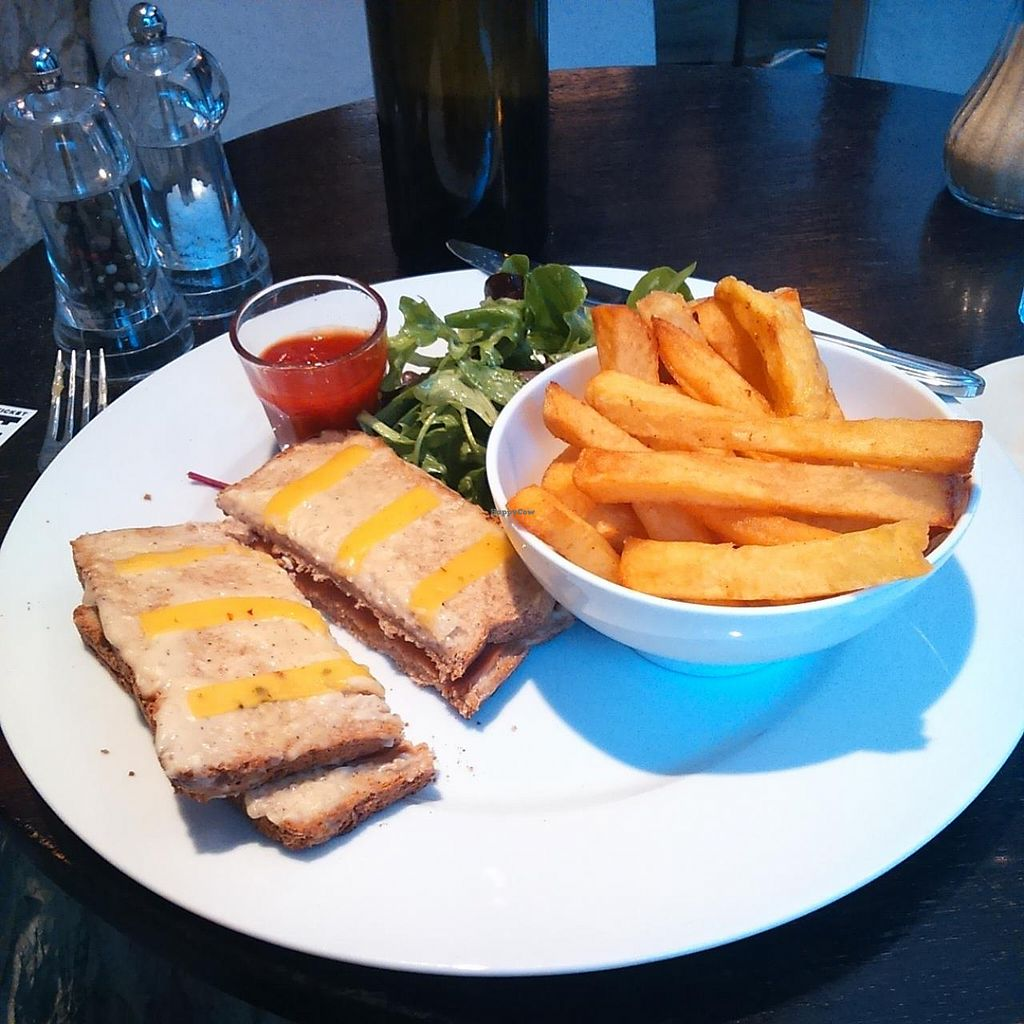 """Photo of CLOSED: Brasserie Lola  by <a href=""""/members/profile/MylesCuneo"""">MylesCuneo</a> <br/>croque Monsieur  <br/> January 10, 2015  - <a href='/contact/abuse/image/52172/90021'>Report</a>"""