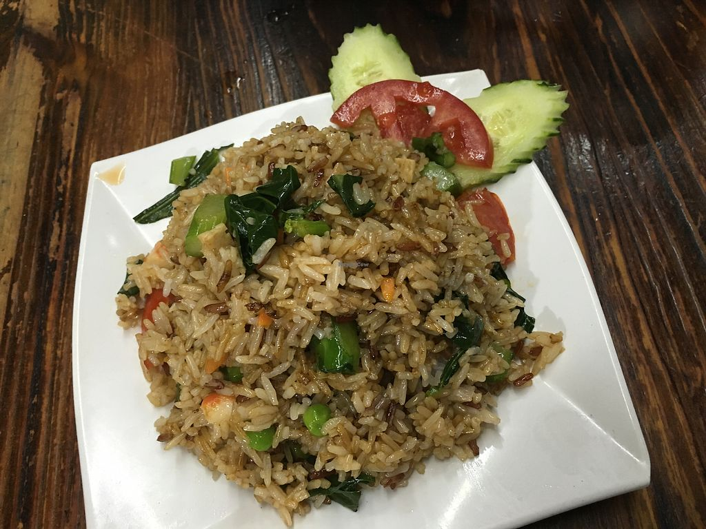 "Photo of Thai Vegetarian Food  by <a href=""/members/profile/Veg4Jay"">Veg4Jay</a> <br/>Thai Style Fried Rice <br/> April 15, 2018  - <a href='/contact/abuse/image/52173/386248'>Report</a>"