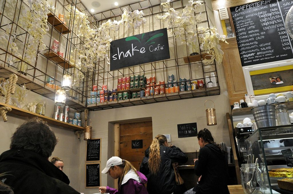 """Photo of Shake Cafe - Degli Avelli  by <a href=""""/members/profile/AvigailTurner"""">AvigailTurner</a> <br/>The inside of the one on Via Del Corso  <br/> March 30, 2016  - <a href='/contact/abuse/image/52235/141982'>Report</a>"""