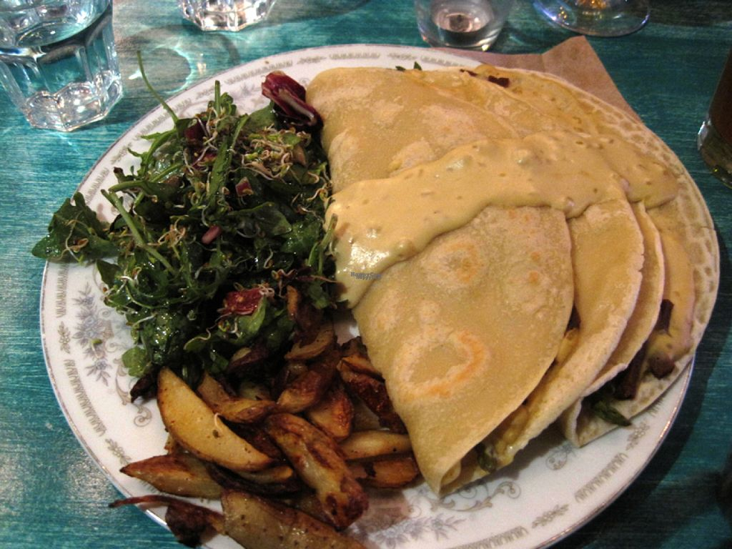 """Photo of Antidote Bouffe Vegane  by <a href=""""/members/profile/Babette"""">Babette</a> <br/>Special of the day. Salad with savoury crepes filled with vegan bacon and cheese and asparagus <br/> October 30, 2016  - <a href='/contact/abuse/image/52254/185326'>Report</a>"""