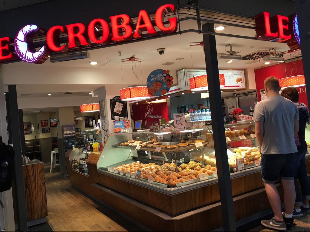 """Photo of Le Crobag  by <a href=""""/members/profile/marky_mark"""">marky_mark</a> <br/>outside <br/> August 30, 2016  - <a href='/contact/abuse/image/52368/172393'>Report</a>"""