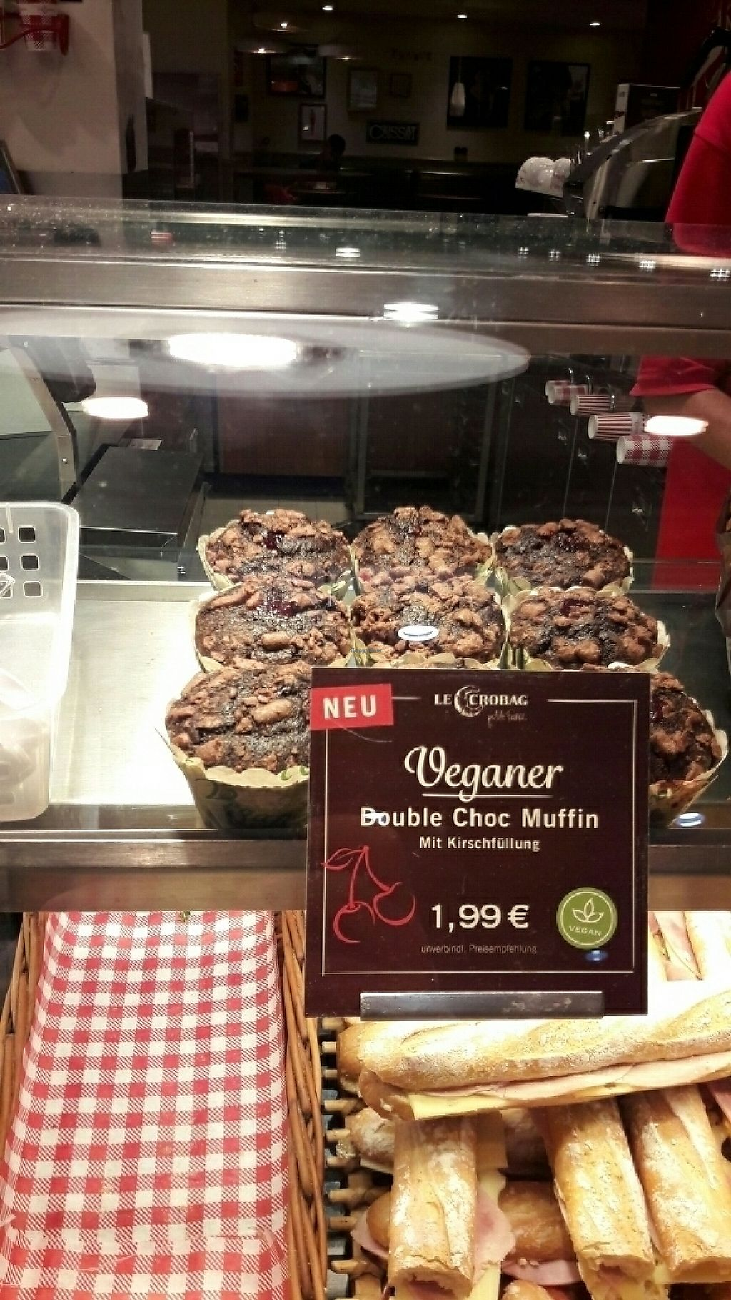 """Photo of Le Crobag  by <a href=""""/members/profile/piffelina"""">piffelina</a> <br/>Vegan muffin <br/> June 2, 2017  - <a href='/contact/abuse/image/52368/265123'>Report</a>"""
