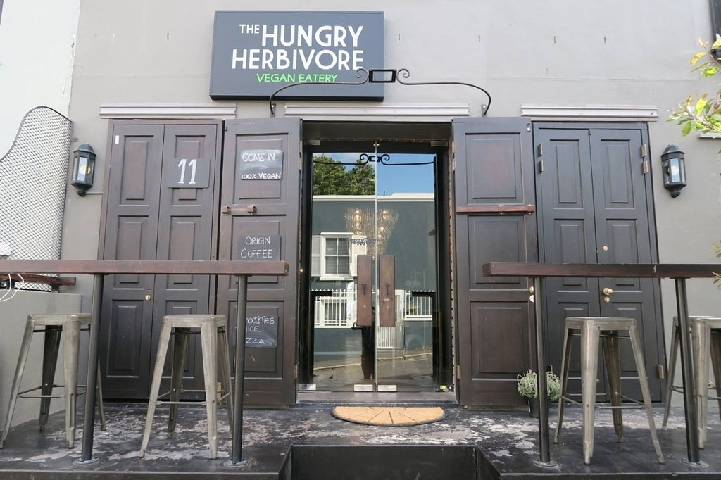 "Photo of The Hungry Herbivore  by <a href=""/members/profile/edwardbc"">edwardbc</a> <br/>Restaurant entrance <br/> November 6, 2016  - <a href='/contact/abuse/image/52388/186860'>Report</a>"