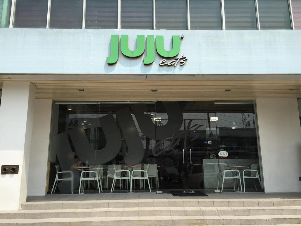 """Photo of Juju Eats  by <a href=""""/members/profile/CharlesS"""">CharlesS</a> <br/>Outdoor Sign Photo <br/> November 3, 2014  - <a href='/contact/abuse/image/52417/84455'>Report</a>"""