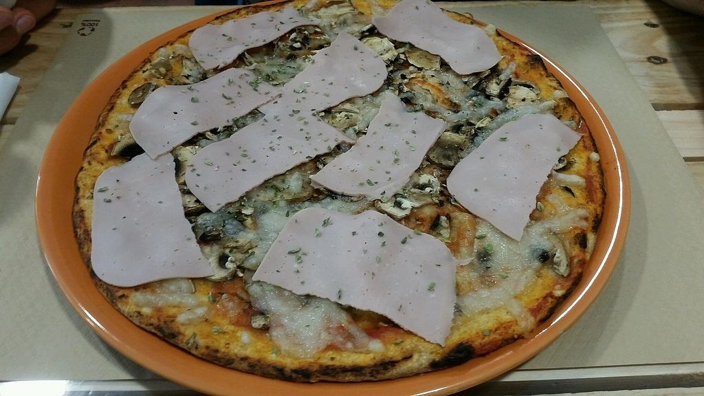 """Photo of Dolce Pizza y Los Veganos - Hipolit Lazaro  by <a href=""""/members/profile/katzi"""">katzi</a> <br/>not that good <br/> September 16, 2017  - <a href='/contact/abuse/image/52506/305060'>Report</a>"""