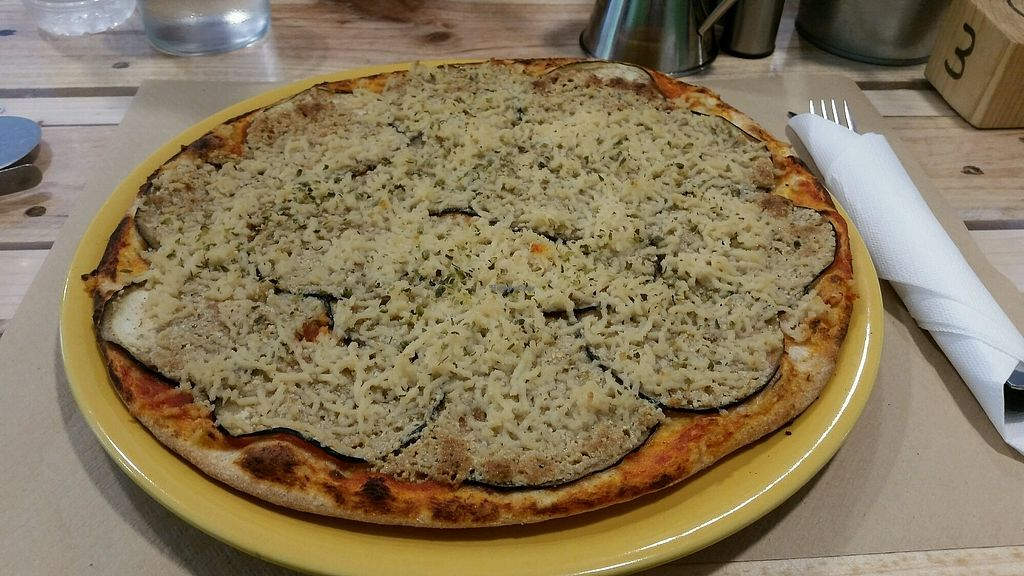 """Photo of Dolce Pizza y Los Veganos - Hipolit Lazaro  by <a href=""""/members/profile/katzi"""">katzi</a> <br/>too much parmesan <br/> September 16, 2017  - <a href='/contact/abuse/image/52506/305061'>Report</a>"""