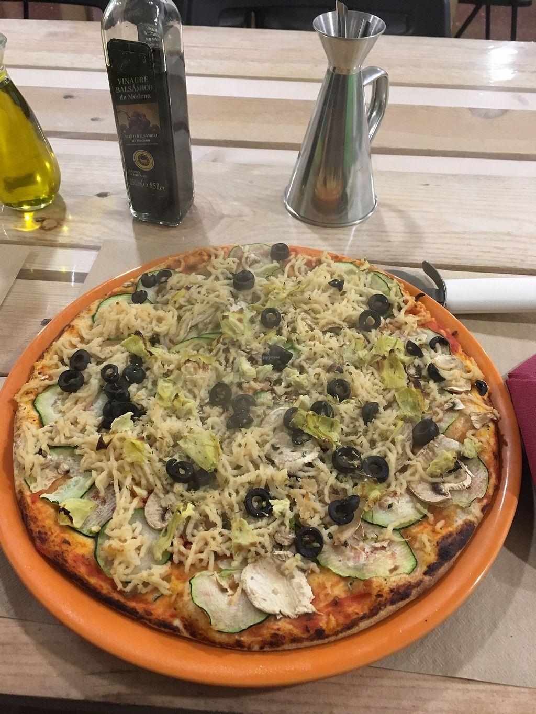 "Photo of Dolce Pizza y Los Veganos - Hipolit Lazaro  by <a href=""/members/profile/LilianaJure%C4%8Dkov%C3%A1"">LilianaJurečková</a> <br/>Vegan pizza <br/> December 23, 2017  - <a href='/contact/abuse/image/52506/338418'>Report</a>"