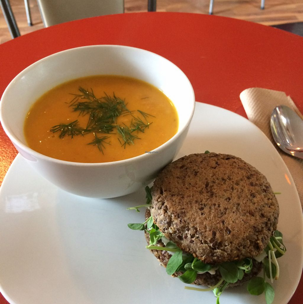 "Photo of Bliss Cafe  by <a href=""/members/profile/H-bob"">H-bob</a> <br/>An excellent lunch! <br/> May 5, 2017  - <a href='/contact/abuse/image/52527/255929'>Report</a>"